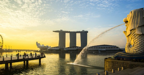 shutterstock 140628544 Singapore official discusses uneasy calm, tells banks to prepare for financial collapase