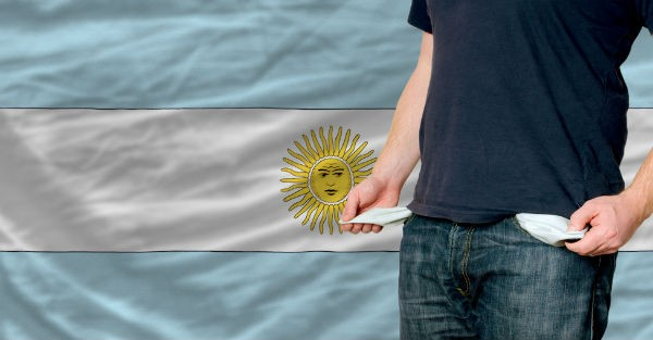 shutterstock 92687836 While Argentina celebrates, government quietly slides towards default. Again.