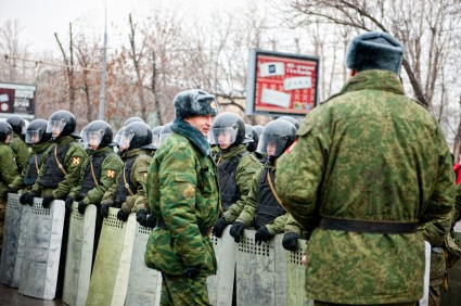Police forces on Bolotnaya square ready to action